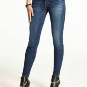 GUESS SUPER SKINNY  LOW RISE JEANS